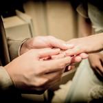 結婚指輪にどんな愛の刻印をしますか?