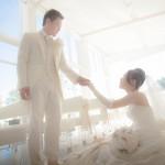 涼しいスタジオでの結婚写真撮影も、バラエティな演出が人気です!